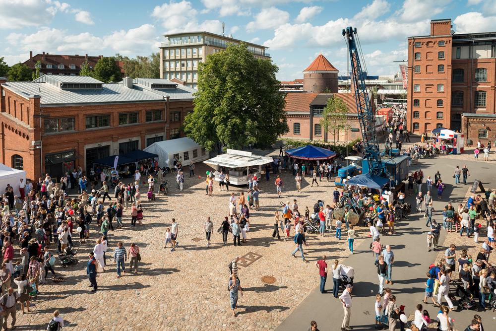 Bert-Kaempfert-Platz