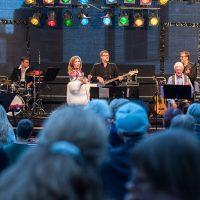 All-Star-Band: Sylvia Vrethammar, Ack van Rooyen, Joel Lyssarides (Piano), Bruno Müller (Guitar), Christian von Kaphengst (Bass), Kai Schönburg (Drums)
